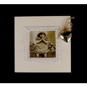Bílý rámeček na fotku na zavěšení malý